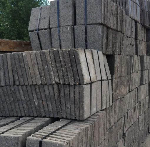 Stoeptegels 30x30 Kopen.Betonnen Tegels 30x30 4 5 Dik